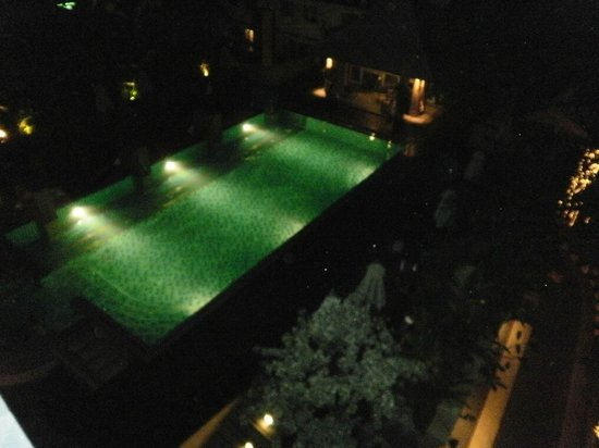 August Suites: Pool night time