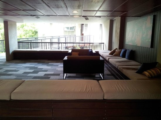 Peppers Noosa Resort and Villas: Foyer