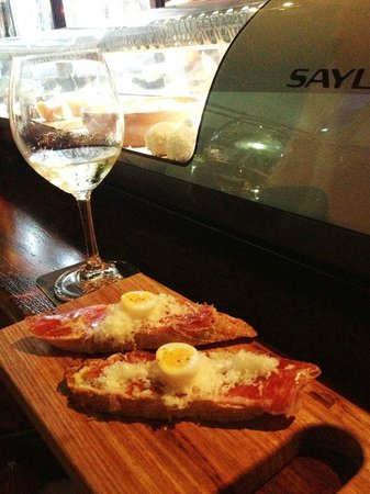 Espana Tapas Bar: Great Pintxos style food