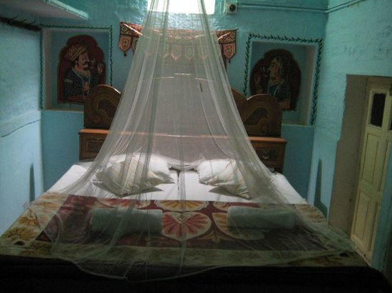 Pushpa Guest House: Interior
