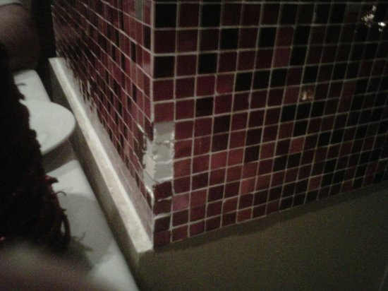 Hard Rock Hotel & Casino Punta Cana: Restaurant Ciao falling apart. This is the type of thing I say, Maintenance!!!
