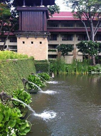 INTERCONTINENTAL Bali Resort : красивое оформление территории
