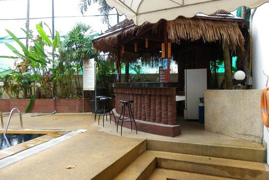 Inn Patong Beach Hotel Phuket: Pool bar