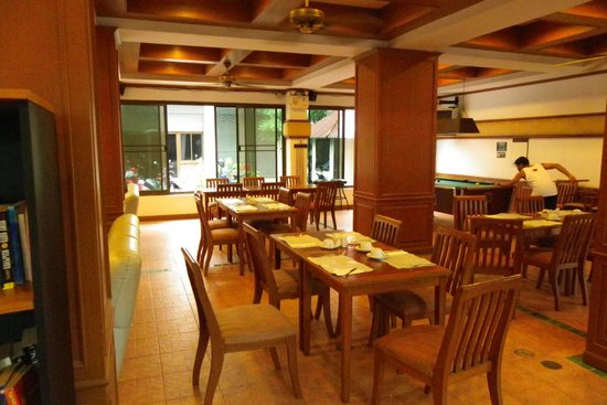 Inn Patong Beach Hotel Phuket: BreakfastRestaurant area