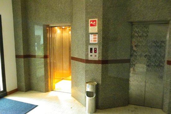 Inn Patong Beach Hotel Phuket: Elevator