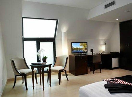 Doulos Hotel: Interior