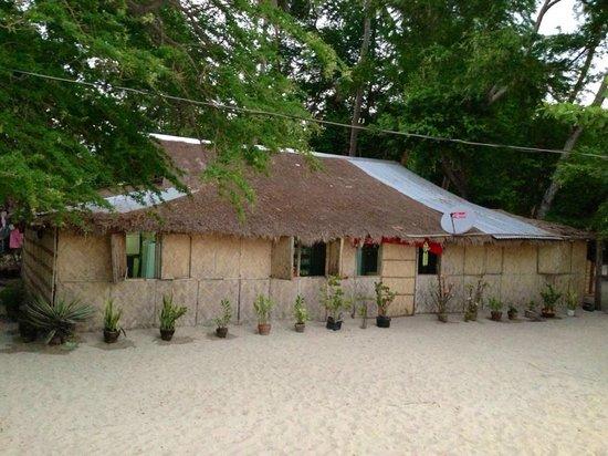 Magalawa Island Armada Resort: Local Convenience Store