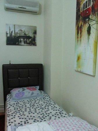 Yakamoz Guesthouse: Дополнительная кровать