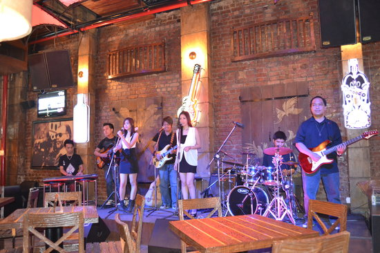 The China House by Q'BA: Live Band