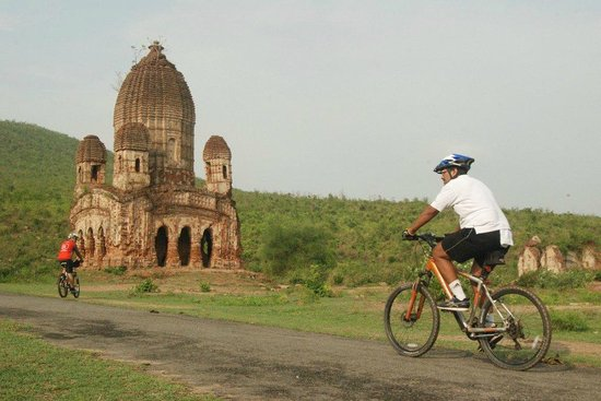 Dhanbad, Ấn Độ: Arriving . . .