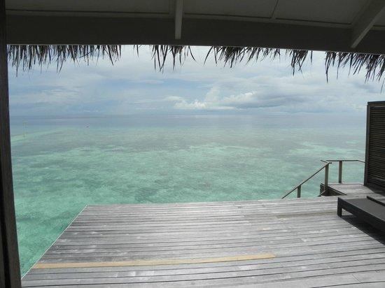 Kuramathi Island Resort: The view from the decking