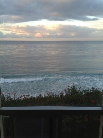Laguna Riviera Beach Resort: view from room 201