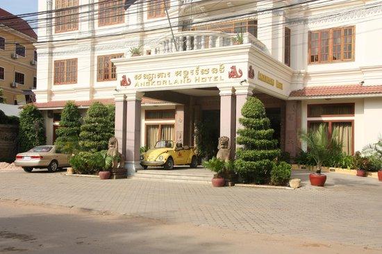 New Angkorland Hotel:                   Hotel