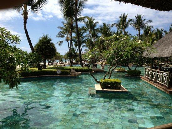 La Pirogue Resort & Spa-Mauritius: la pirogue novembre 2012