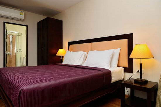 Kamala Beachfront Apartment: 1-bedroom, Sea View