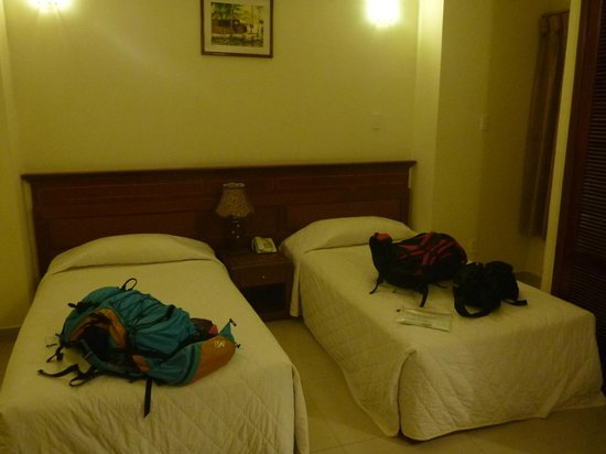 Phuoc Loc Tho 2 Hotel: 部屋は薄暗くて窓が無かった