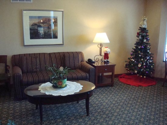 Staybridge Suites Sioux Falls: Lobby