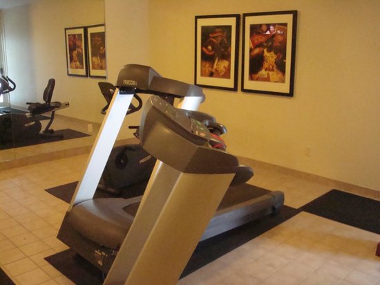 Staybridge Suites Sioux Falls: Gym