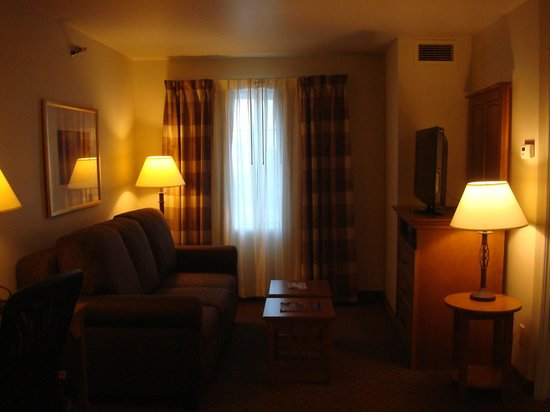 Staybridge Suites Sioux Falls: Room 328