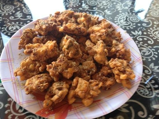 Pushkar's Cafe: pakhoras, the perfect appetizer!