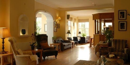 Losehill House Hotel & Spa: The lounge