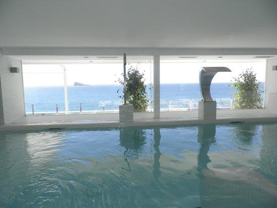 Villa Del Mar Hotel : Spa pequeño frente al mar con la tezzaza fuera. Extraordinario