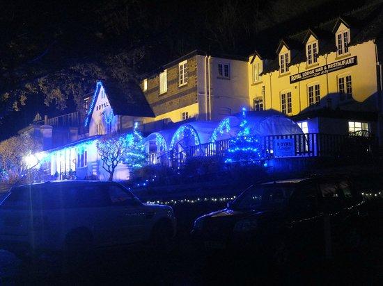 The Royal Lodge : Night scene