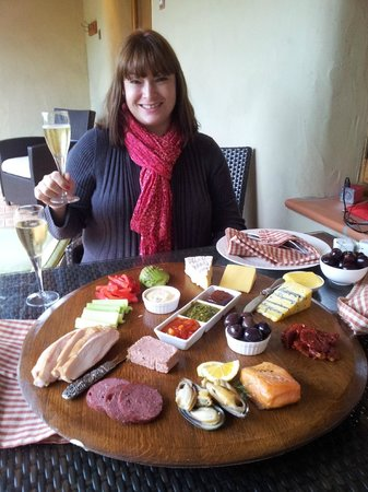Straw Lodge: the vineyard platter is superb!