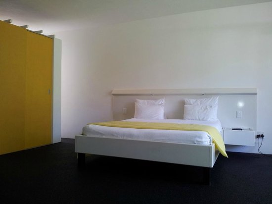 Serene-estate Boutique Guesthouse: Yellow Room