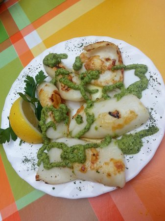 Arcon Tapas : squid with special mojo sauce