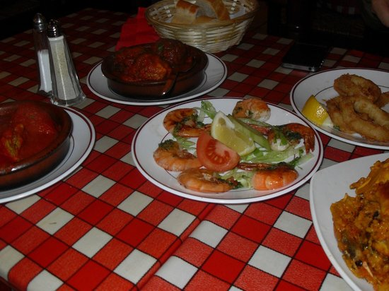 Casa Don Carlos: tapas cooked to oder