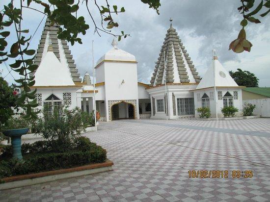 Paschimkashi Hindu Mandir : The beautiful camps of the temple