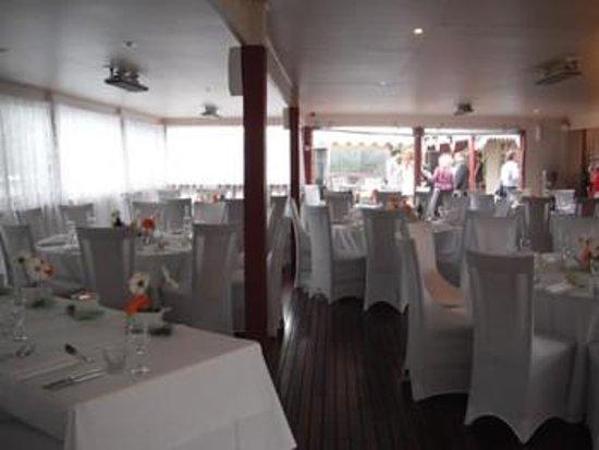 Heritage 3059 Restaurant: Our HUGE deck, set for a wedding.