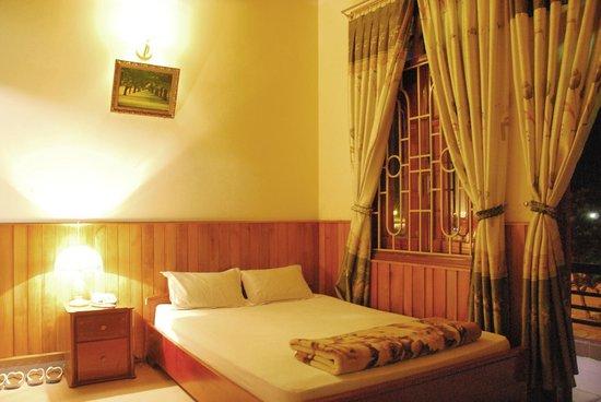 Hai Huong Hotel: Standard Room