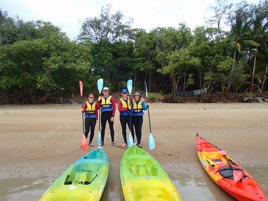 Tropical Sea Kayaks : Us and another couple on the tour