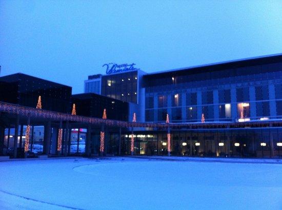 Ulemiste Hotel: вид на фасад