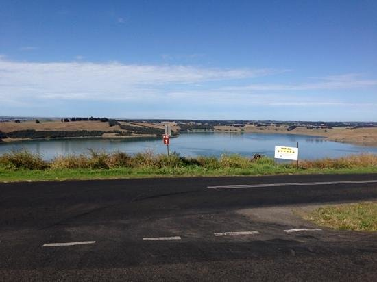 Camperdown, Australien: lake bullen merri from park rd