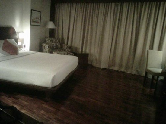 The Luxton Bandung: spacious and elegant executive room