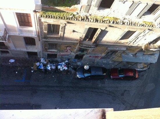 Evripides Hotel: vue sur la rue