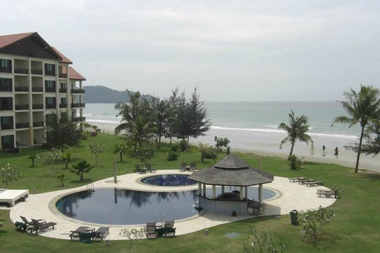Nexus Resort & Spa Karambunai: Our view from the apartment