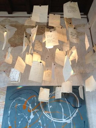 Ottoetti: lampadario con dediche