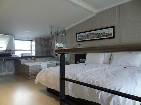 Hippo Boutique Hotel: Chambre
