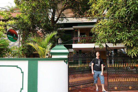‪‪Green House Home Stay‬: in front of the home stay