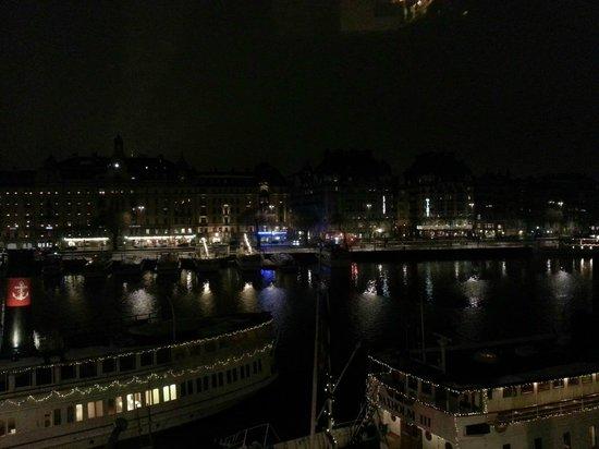Radisson Blu Strand Hotel, Stockholm: Utsikt från rummet, Strand, kväll