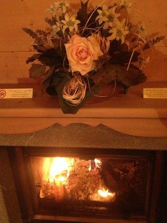 Valbruna Inn: caminetto romantico