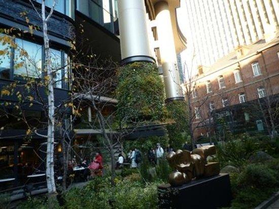 Marunouchi Brick Square: 丸の内ブリックスクエア01