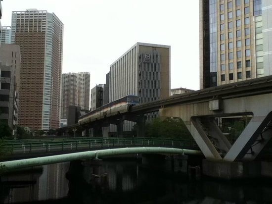 Hotel Gracery Tamachi: グレイスリー田町と東京モノレール