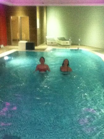 Rebekah and margaret in the pool picture of novotel liverpool liverpool tripadvisor for Hotels in liverpool with swimming pool