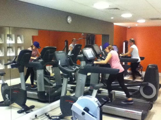 Novotel Liverpool: Rebekah and Margaret in the Gym