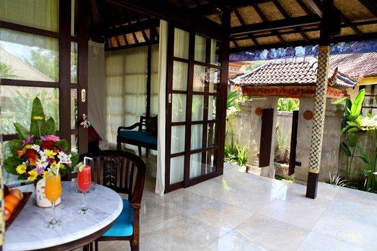 Lodtunduh Sari: Inside 1 bedroom villa